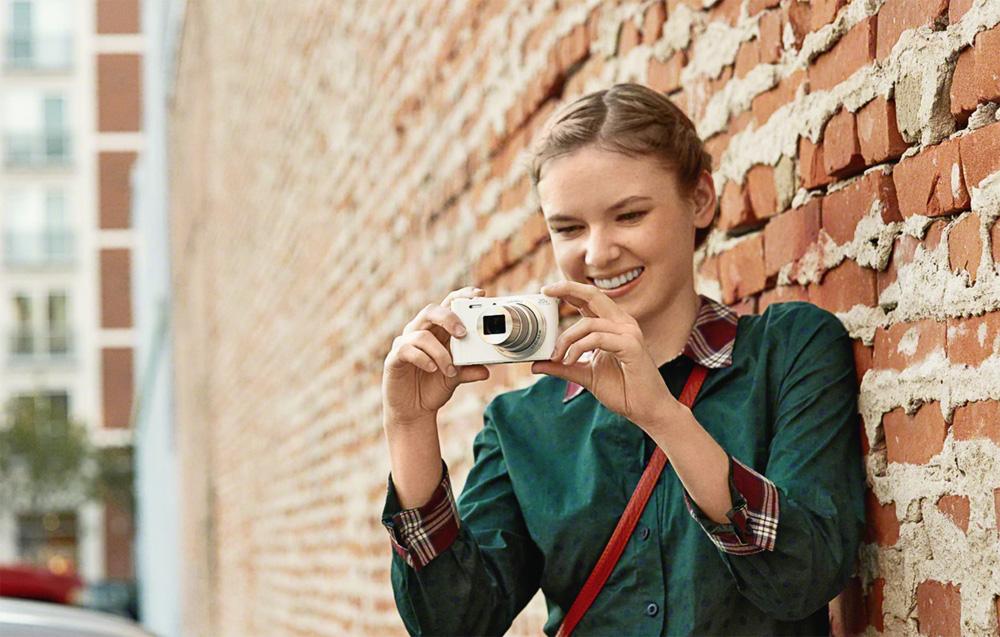 Компактная цифровая фотокамера sony cyber